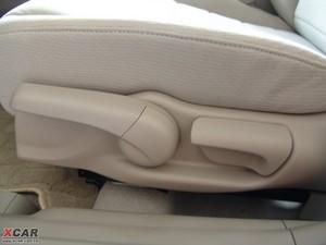2009款1.3L 混合动力 座椅调节