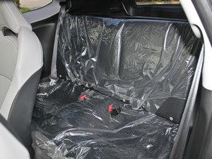 2012款1.5L 混合动力 后排座椅