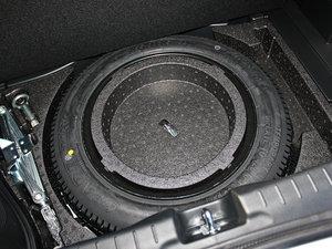 2012款1.5L 混合动力 备胎