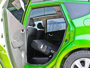 2013款1.3L Hybrid 后排座椅放倒