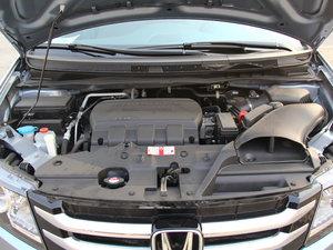 2014款美版 基本型 发动机