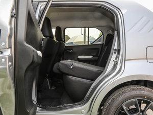 2017款1.2L CVT豪华导航版 后排座椅放倒