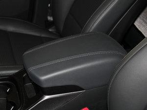 2013款3.0L 自动四驱舒适导航版 7座 欧V 前排中央扶手