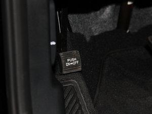 2013款3.0L 自动四驱舒适导航版 7座 欧V 驻车制动器