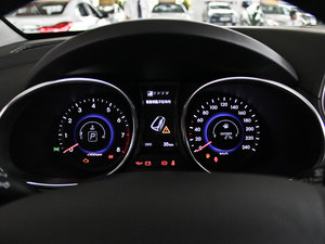 2013款3.0L 自动四驱舒适导航版 7座 欧V 仪表