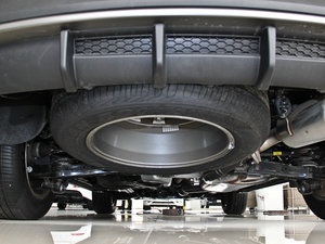 2013款3.0L 自动四驱舒适导航版 7座 欧V 备胎