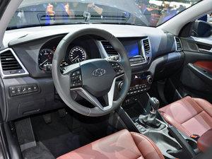2015款Hybrid 中控区