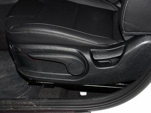 2017款1.6L 双离合旗舰版 座椅调节