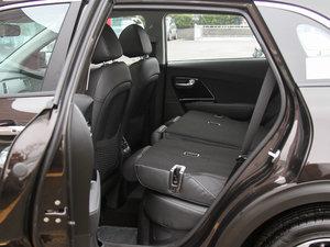 2017款1.6L 双离合豪华版 后排座椅放倒