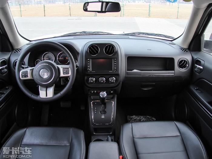 吉普jeep自由客百公里油耗 自由客配置及图片
