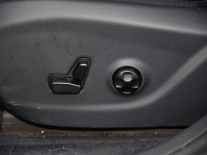 2015款2.4L 精英版 座椅调节
