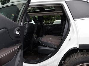 2015款2.4L 精英版 后排座椅放倒
