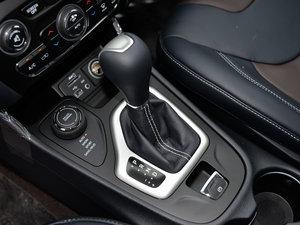 2015款2.4L 精英版 变速挡杆