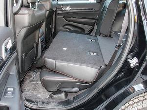 2017款3.0TD 高性能四驱版 国IV 后排座椅放倒