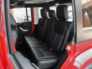 2017款3.0L 四门舒享版 Sahara 后排座椅