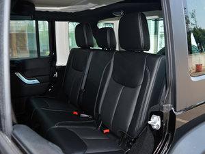 2017款3.6L Rubicon四门舒享版 后排座椅