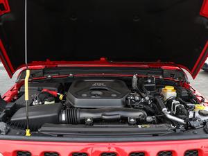 2018款2.0T Sahara四门版 发动机