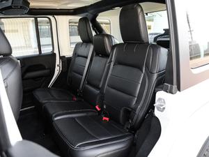 2018款2.0T Sahara四门版 后排座椅