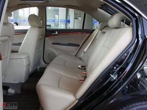 2009款2.4L 自动顶级版 后排空间