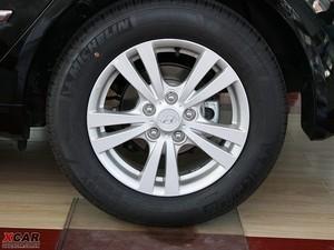 2009款2.4L 自动顶级版 轮胎