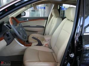 2009款2.4L 自动顶级版 前排空间