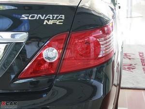 2009款2.4L 自动顶级版 尾灯