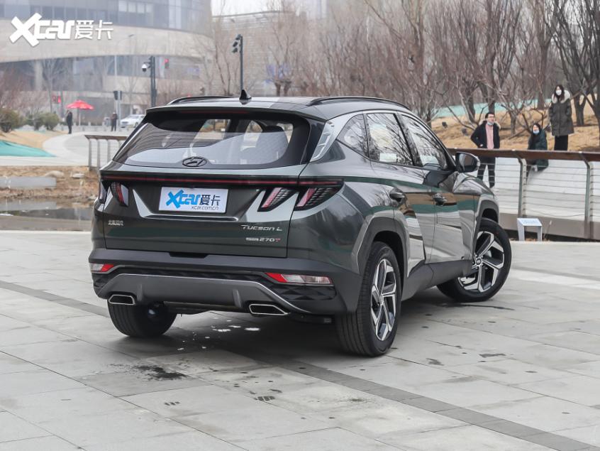 北京现代第五代途胜L开启预售 17万元起