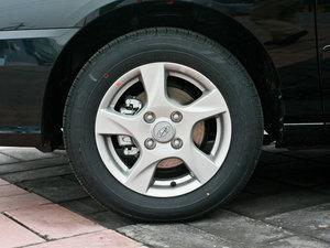 2011款1.6L 手动舒适版 轮胎