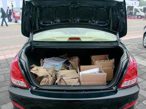 2011款1.6L 手动舒适版 行李厢空间