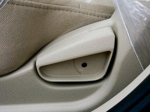 2011款1.6L 手动舒适版 座椅调节