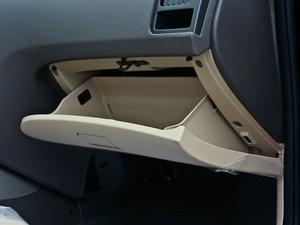 2011款1.6L 手动舒适版 手套箱