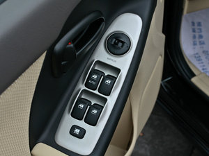 2011款1.6L 手动舒适版 车窗控制