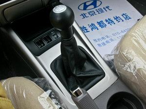 2011款1.6L 手动舒适版 变速挡杆