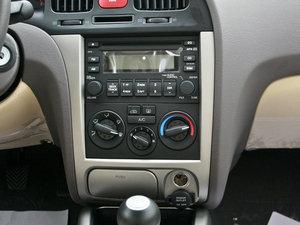 2011款1.6L 手动舒适版 中控台