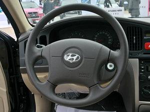 2011款1.6L 手动舒适版 方向盘