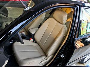 2011款1.6L 手动舒适版 前排座椅