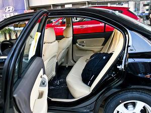 2011款1.6L 手动舒适版 后排空间