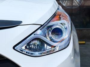 2014款2.0L hybrid 头灯