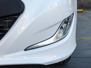 2014款2.0L hybrid 雾灯