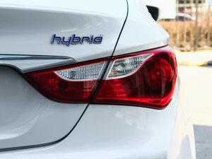 2014款2.0L hybrid 尾灯