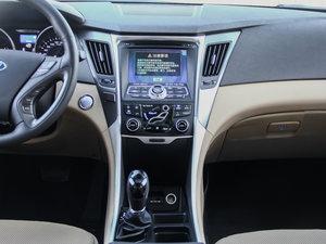 2014款2.0L hybrid 中控台
