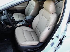 2014款2.0L hybrid 前排座椅