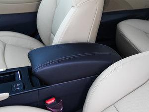 2014款2.0L hybrid 前排中央扶手