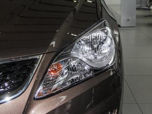 2015款1.6L 自动豪华型 头灯