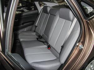 2015款1.6L 自动豪华型 后排座椅