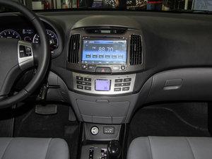 2015款1.6L 自动豪华型 中控台