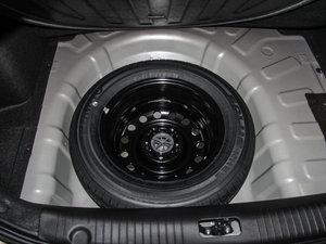 2015款1.6L 自动豪华型 备胎