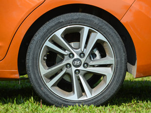 2016款1.6L 自动智炫旗舰型 轮胎