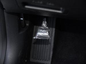 2016款2.0HS 领先型 驻车制动器
