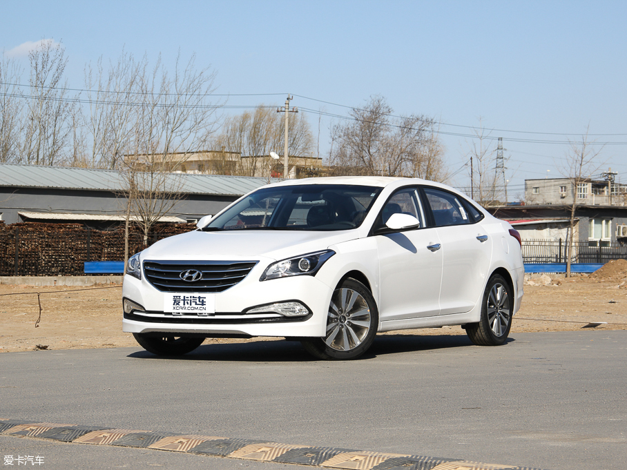 名图乌市现车在售 享最高1.2万元优惠